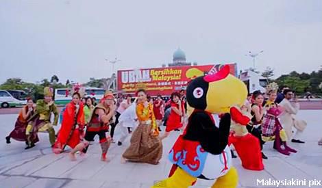 PKR & PAS pun nak ikut sekali Gangnam Stlye?