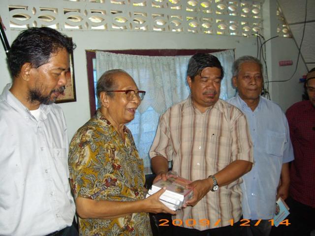 PKM melalui Abdullah CD 'berkawan' dengan parti Islam untuk dapatkan sokongan orang Melayu