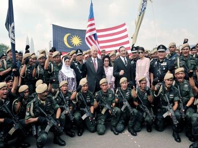 PM Najib Razak bersama warga PDRM - Sambutan Hari Polis Ke-206
